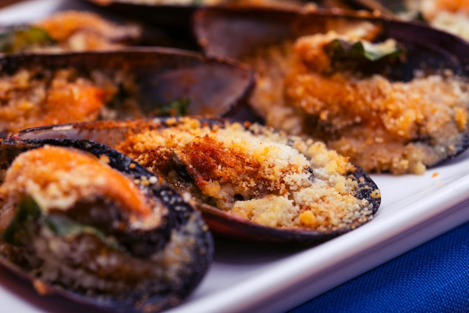 Una gustosa ricetta cozze gratinate da fare in casa - Cucina evolution ricette ...