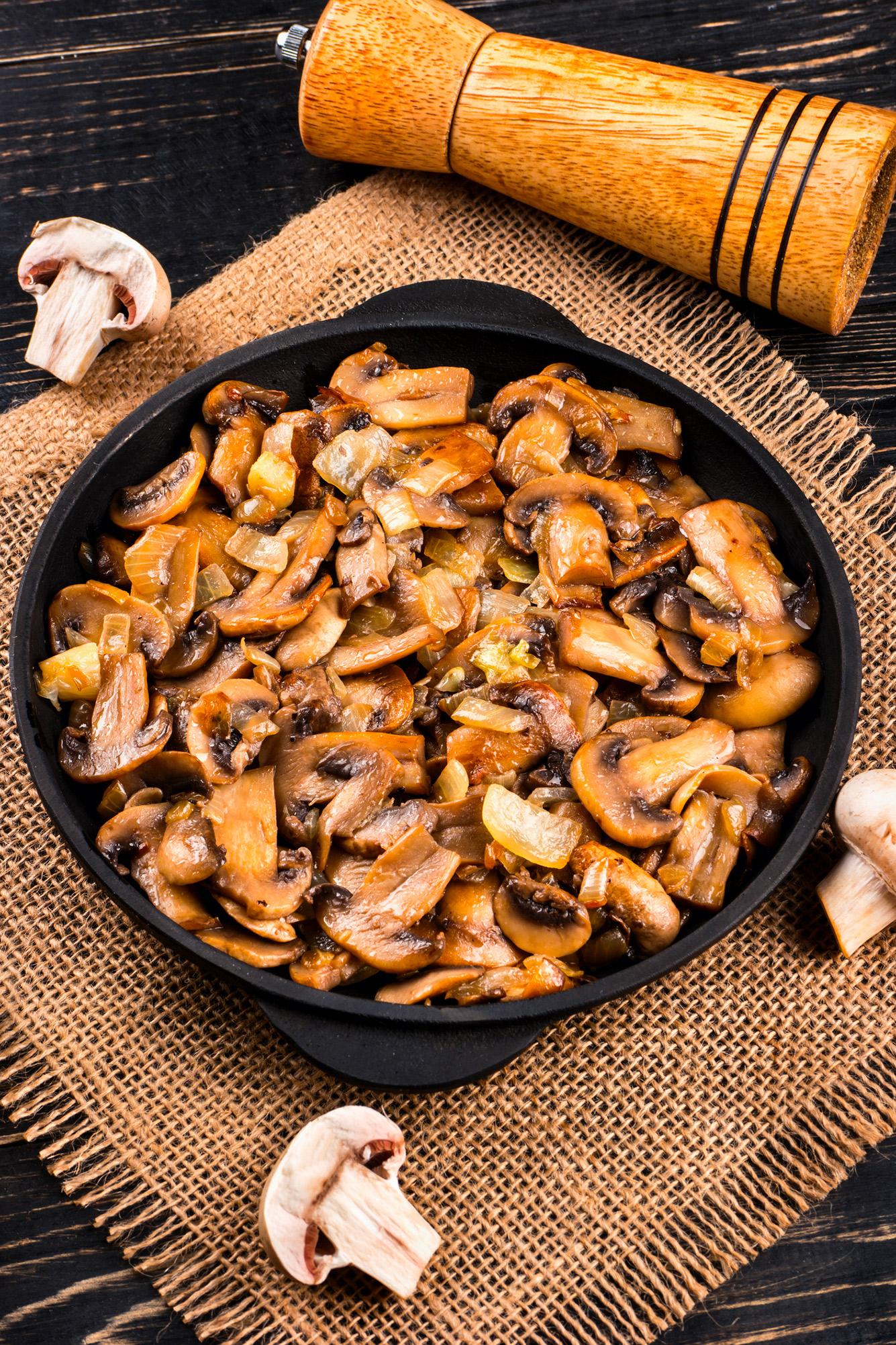 Contorni squisiti come cucinare i funghi trifolati for Cucinare funghi